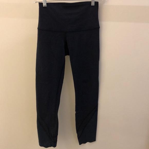 lululemon athletica Pants - Lululemon blue crop perforated legging,sz 4, 69027
